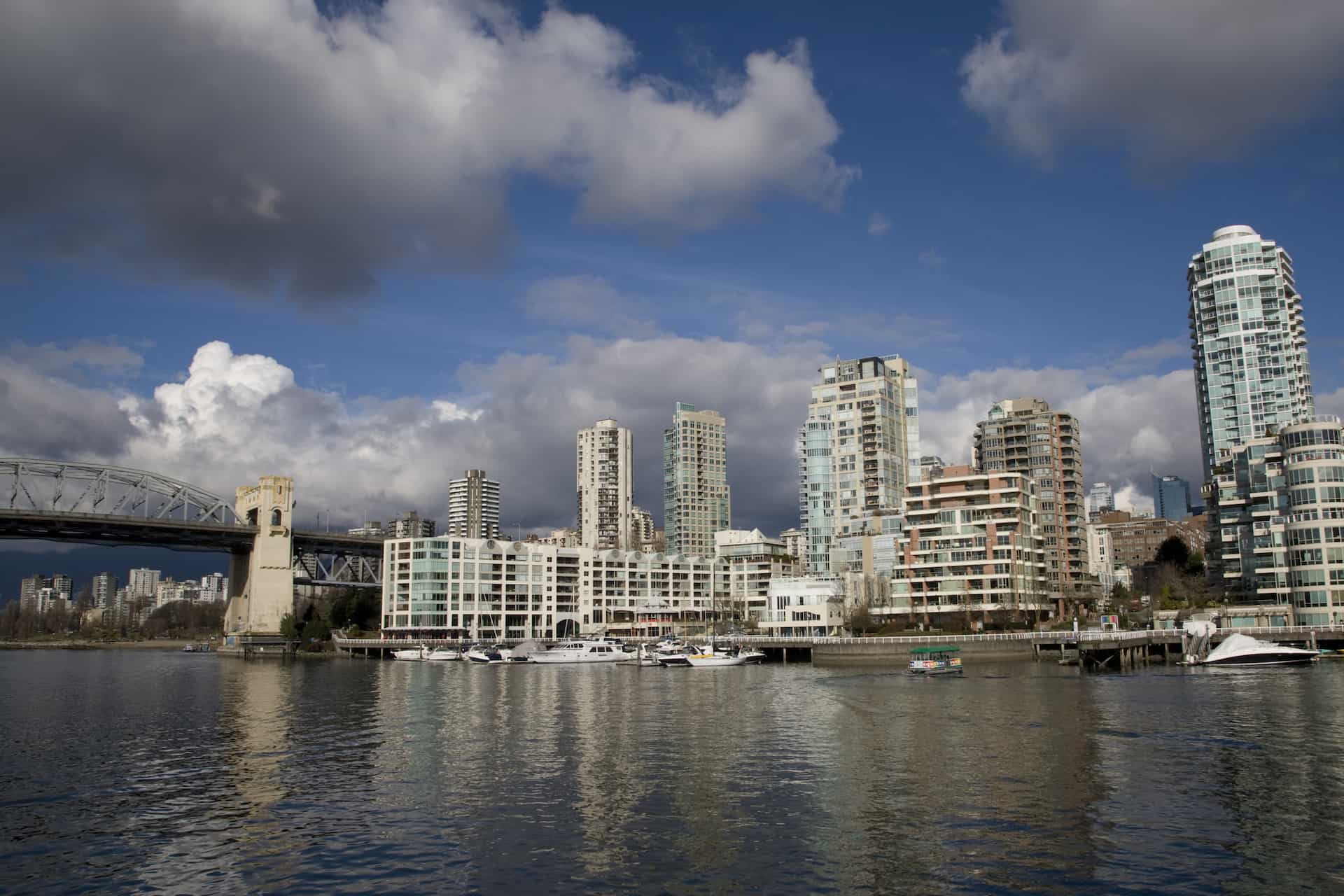 Vancouver City + The Lookout Tour | Gray Line Westcoast