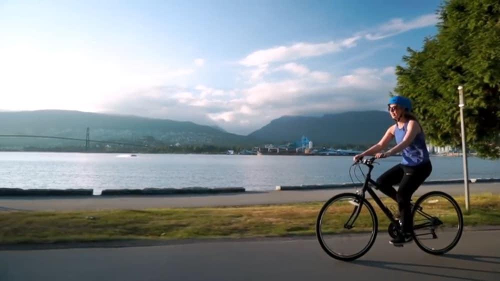 westcoast-sightseeing-bike-rental-vancouver-water